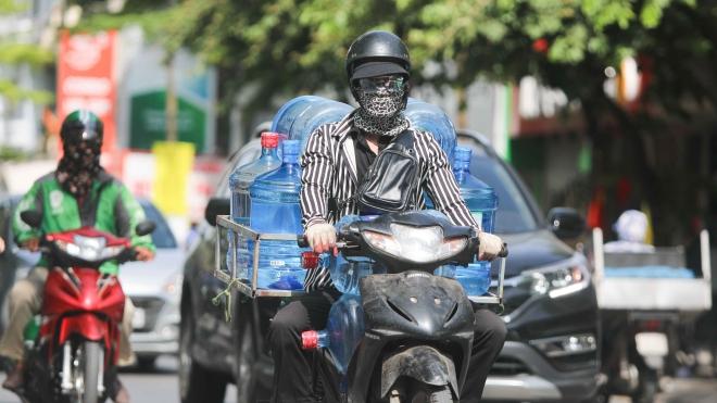 Chỉ số nóng bức và tia cực tím ở nhiều tỉnh thành ở mức gây hại rất cao
