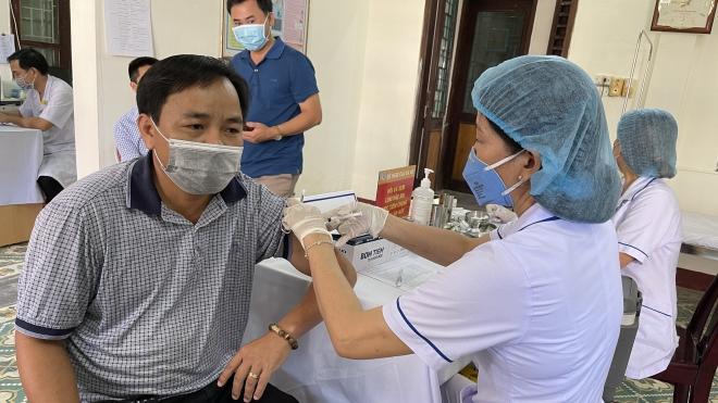 Hà Nội đảm bảo tiêm vaccine Covid-19 miễn phí, công bằng, minh bạch