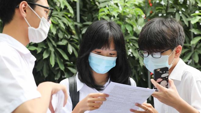 Hà Nội hạ điểm chuẩn lớp 10 các trường chuyên