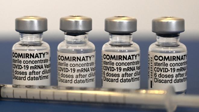 Dịch Covid-19: Pfizer/BioNTech xin cấp phép cho tiêm mũi vaccine thứ ba