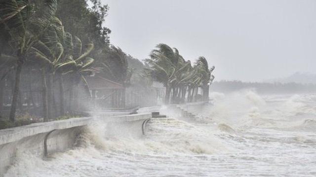 Áp thấp nhiệt đới đổi hướng và có khả năng mạnh lên thành bão