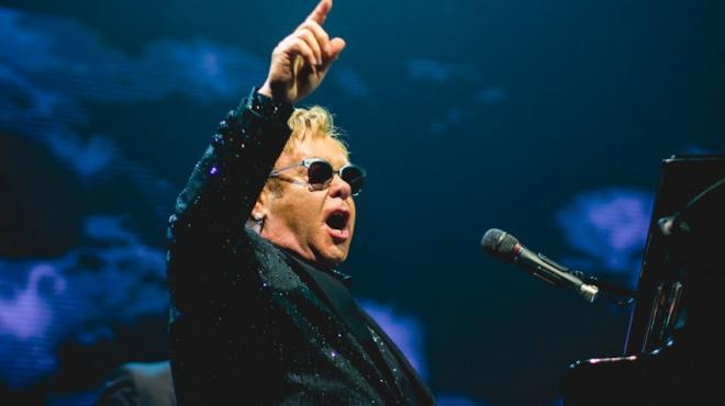 Elton John lên kế hoạch lưu diễn thế giới và ra mắt album mới