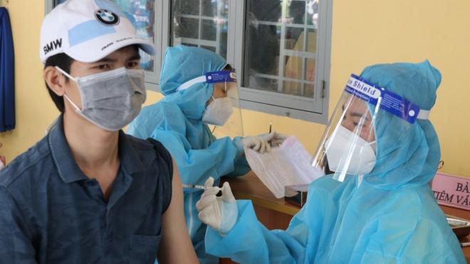 Điều tra vụ thu tiền tiêm vaccine phòng Covid-19 ở Bình Dương