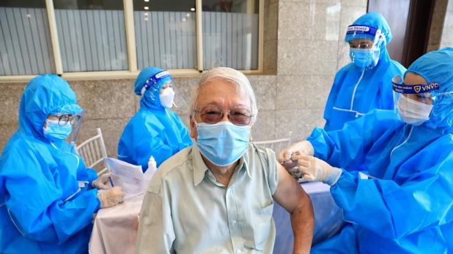 Tiêm chủng vaccine Covid-19 đầy đủ giảm nguy cơ tử vong tới 11 lần