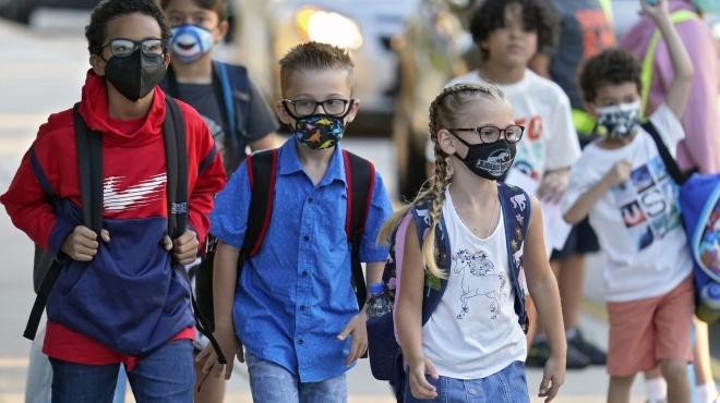 Báo động bùng phát các ca mắc Covid-19 ở trẻ em tại Mỹ