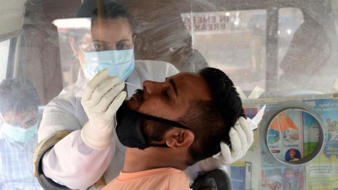 Ấn Độ vẫn là tâm dịch ở châu Á với số ca mắc mới cao nhất