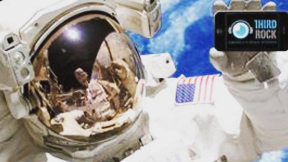 Ca khúc đã và sắp đưa vào vũ trụ (Kỳ 5): 'Space Oddity' - nỗi cô đơn khi du hành vũ trụ