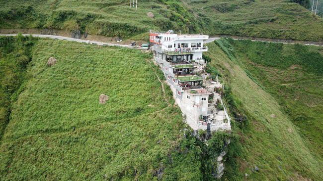 Bộ VHTTDL lên tiếng về tòa nhà xây trái phép trên đèo Mã Pì Lèng, Hà Giang
