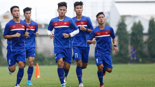 U20 Việt Nam hối hả tập, Hải Phòng mơ về Đặng Văn Lâm 2.0