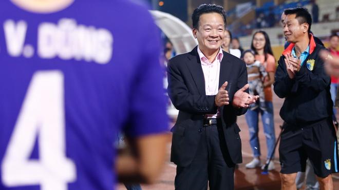 Bầu Hiển lệnh cho Hà Nội FC 'quyết tử', FLC Thanh Hóa bảo vệ vị trí số 3