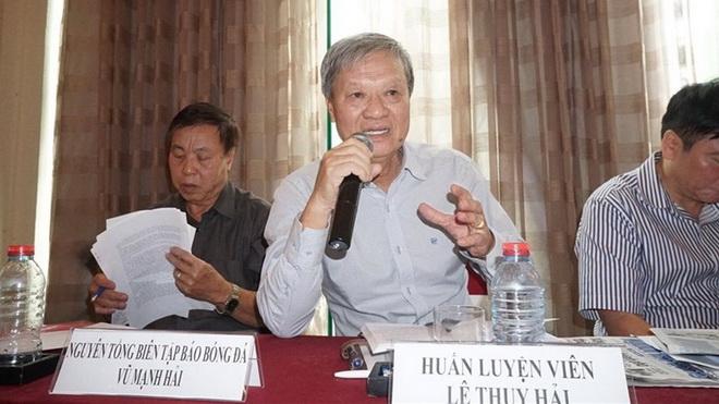 HLV Lê Thụy Hải tố việc 'ngồi nhầm chỗ' ở VFF, Quảng Nam có thể vắng mặt ở giải châu Á