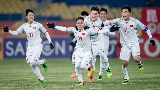 Bầu Đức bỏ việc xem U23 Việt Nam, trung vệ Tiến Dũng mặc cảm tội lỗi