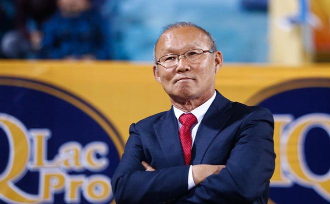 Tổng cục không trả lương cho HLV Park Hang Seo, người Thái 'nổ vang' trước AFF Cup 2018