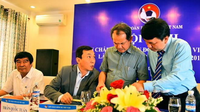 Các đội bóng đề cử thêm bầu Đức, tuyển Việt Nam lên đường sang Jordan