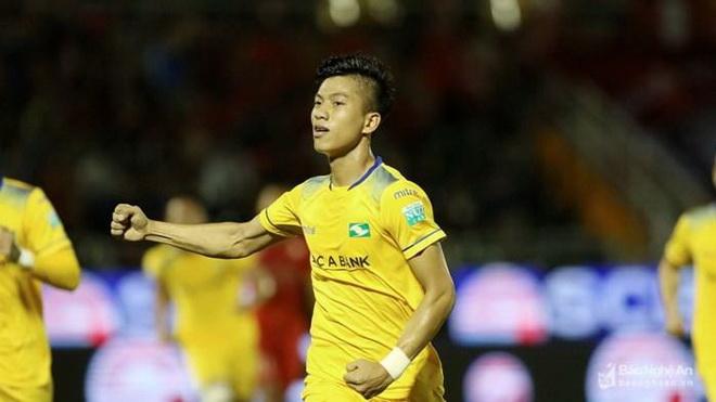 Đại hội VFF hoãn vô thời hạn sau sự cố bầu Đức, sao U23 Việt Nam đang rực sáng ở SLNA