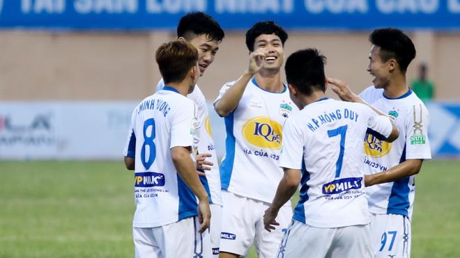 CLB Hà Nội và HAGL cùng xác lập kỷ lục, HLV Miura không sợ bị sa thải
