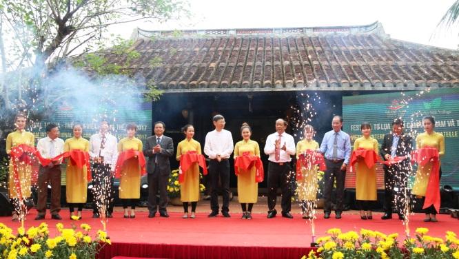 Khai mạc Festival Văn hóa tơ lụa, thổ cẩm Việt Nam – Châu Á 2017