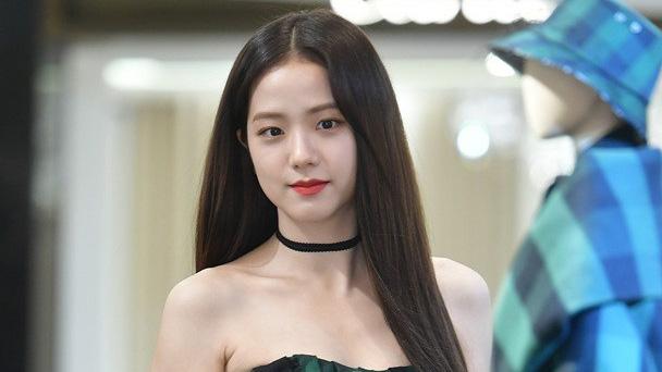 'Nín thở' trước vẻ đẹp hớp hồn của Jisoo (Blackpink) trong sự kiện Dior