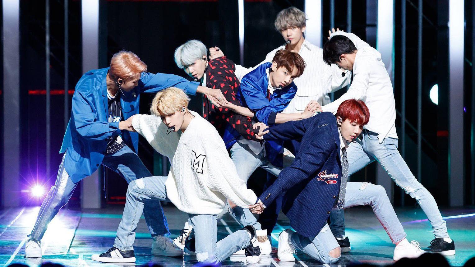 Các thành viên BTS tiết lộ bí mật về chuyện yêu đương của nhóm