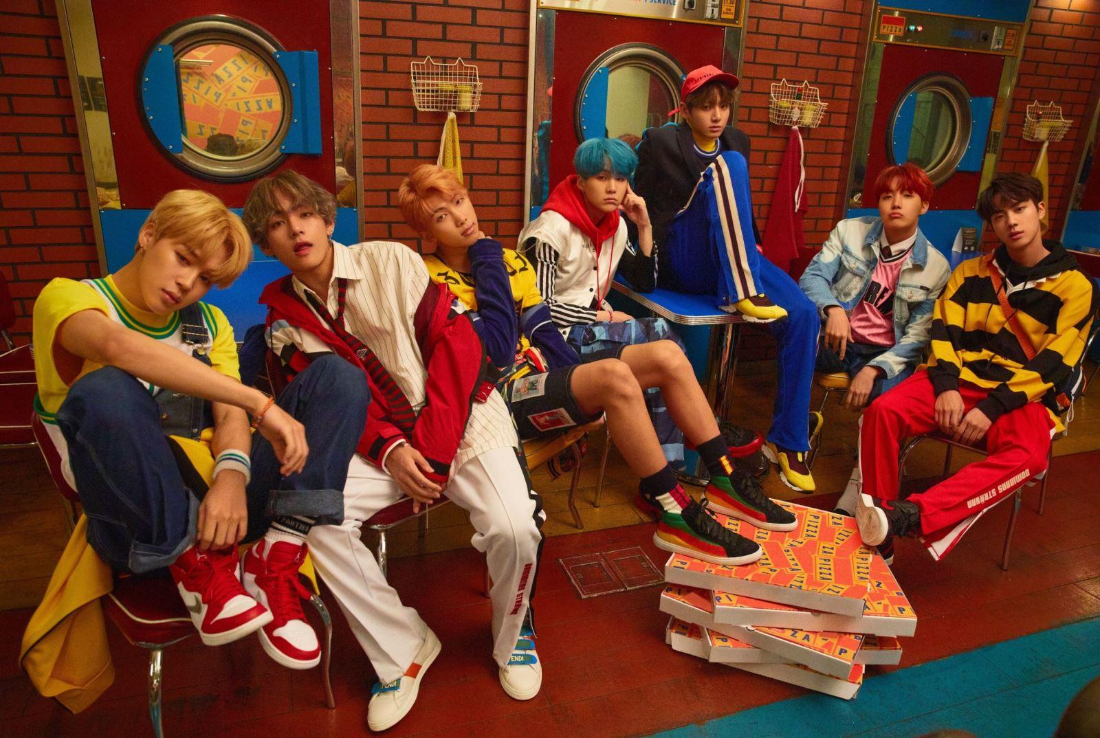 BTS, Phòng cách BTS, Phong cách thời trang của BTS, Love Yourself Her, DNA, BTS, Phong cách thời trang BTS, bts world, bts idol, bts đẹp trai, ảnh bts đẹp trai, bts v