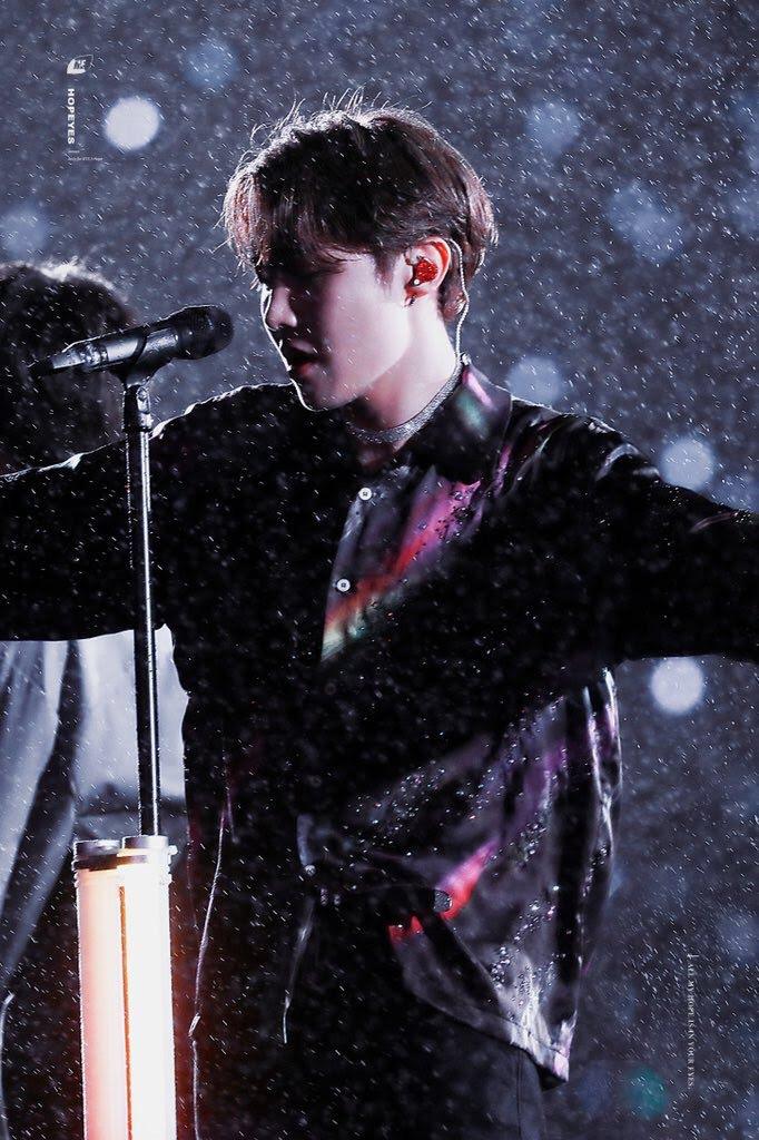 BTS, Ảnh mới của BTS, Ảnh BTS dưới mưa, BTS đến nhậ bản, Jin, Suga, RM, J-Hope, Jimin, V, Jungkook, fanmeeting Muster, Magic Shop, Pied Piper