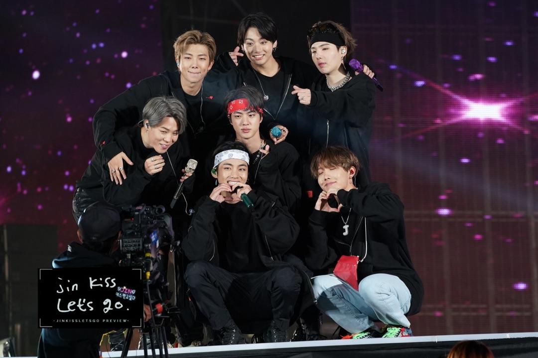 BTS, BTS Suga, BTS J-hope, Phản ứng hài hước của Suga, Điệu nhảy của J-hope, Love Yourself: Speak Yourself