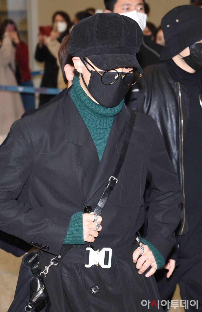 BTS, Blackpink, 5 thần tượng của thời trang sân bay gọi tên BTS Blackpink, BTS RM, BTS V, BTS Jimin, Lisa BLACKPINK, IU