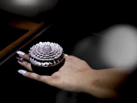 Chiếc nhẫn kim cương lập kỷ lục thế giới