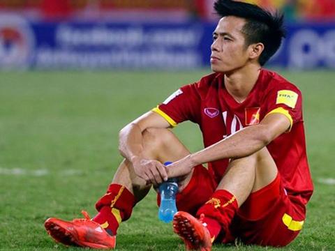 VIDEO: Vì sao Văn Quyết bị HLV Park Hang Seo gạt khỏi danh sách đội tuyển Việt Nam?