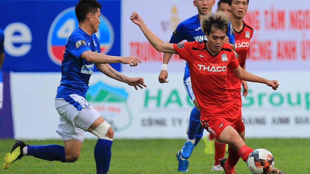 VIDEO: HAGL 3-2 Quảng Ninh: Văn Toàn cho cả hàng thủ đối phương 'ngửi khói'