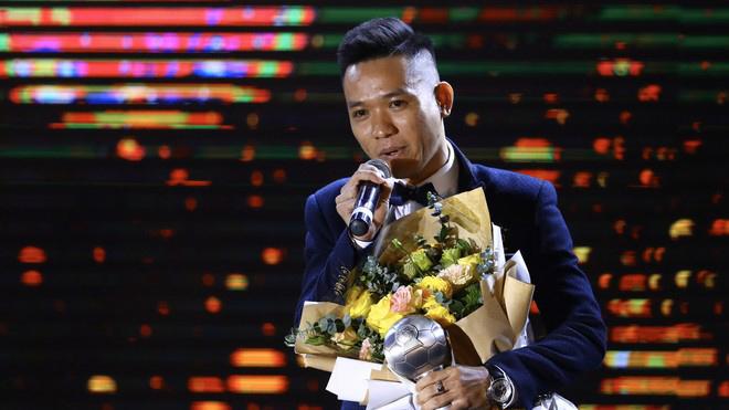 Văn Vũ nói gì sau khi nhận danh hiệu Cầu thủ Futsal xuất sắc nhất tại AFF Awards 2019?