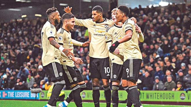 Arsenal vs MU (3h00 ngày 2/1): Solskjaer tìm lại lịch sử với hàng công trẻ tuổi