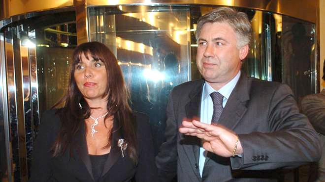 Ancelotti và nghĩa tình với người vợ 25 năm gắn bó