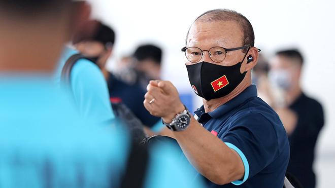 HLV Quốc Vượng: 'Tuyển Việt Nam sẽ có vé đi tiếp'