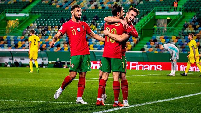 Các tiền vệ ở EURO 2020: Sự tiến hóa của 3 giây tư duy