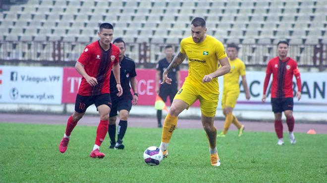Các CLB V-League: Rèn thể lực, tích cực đá giao hữu