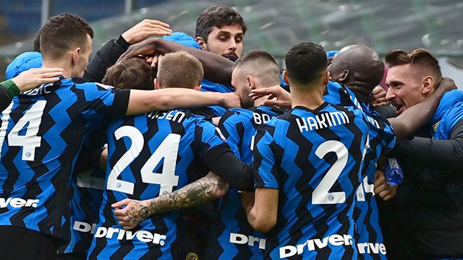 """Inter """"cắt đuôi"""" Milan: Hình bóng nhà vua mới"""