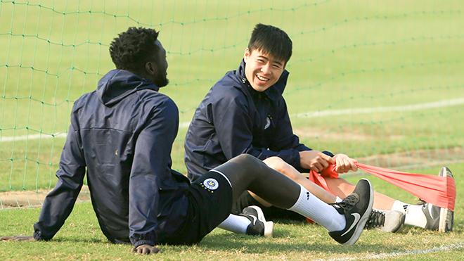 CLB Hà Nội tan hàng thủ trước trận gặp Nam Định