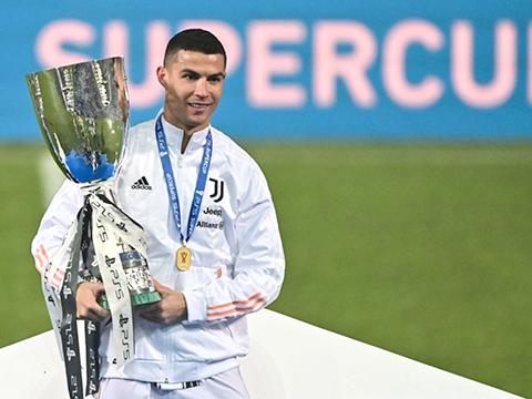 Ronaldo, Messi, Dani Alves: Ai sở hữu nhiều Cúp vô địch nhất?