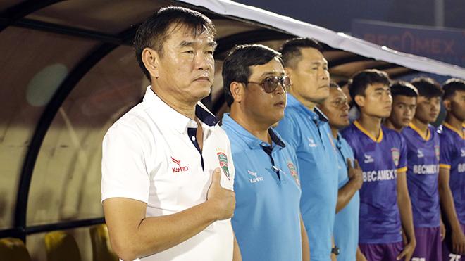 HLV Phan Thanh Hùng ra mắt hoàn hảo