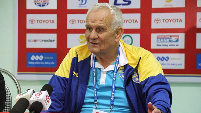 HLV Petrovic dẫn dắt CLB Đông Á Thanh Hóa từ cuối tháng 12