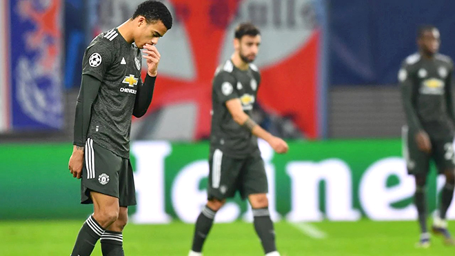 MU bị loại khỏi Champions League: Tự đẩy mình vào chỗ chết