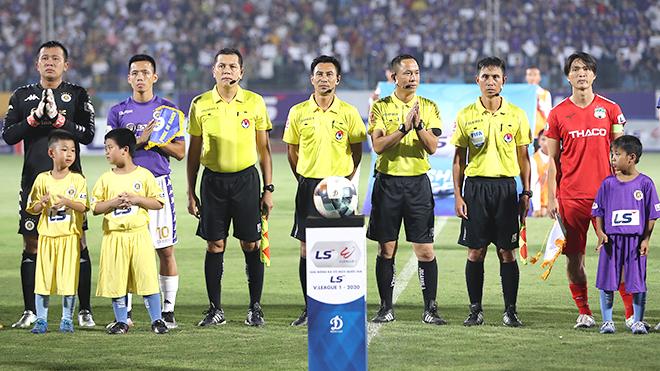 Các đội bóng ủng hộ V-League 'đá nhanh, hết gọn'