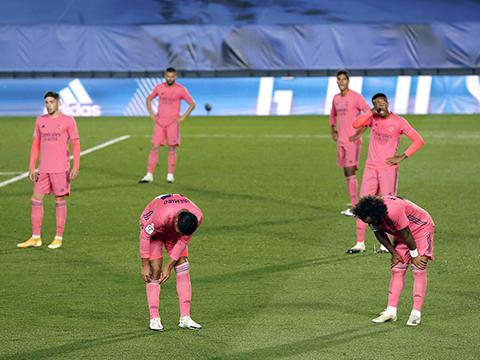 Real Madrid và Barcelona: Những 'bóng hồng' run rẩy trước Kinh điển