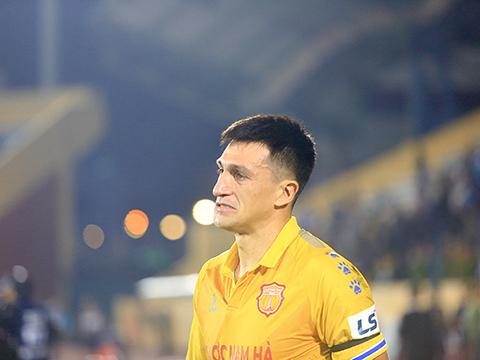 Hải Phòng trụ hạng sau trận thắng Nam Định
