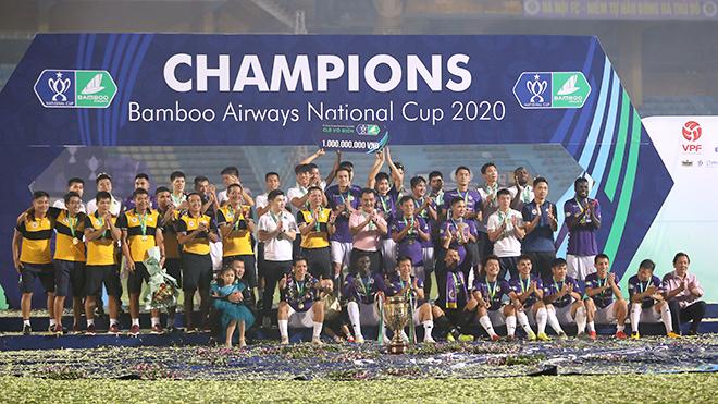 Hà Nội FC ngược dòng bảo vệ ngôi vương