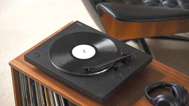 Lần đầu sau hơn 30 năm, đĩa than bán chạy hơn CD