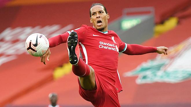 Van Dijk mắc lỗi, Liverpool không thể yên