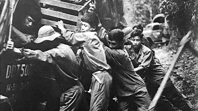 Ảnh chiến trường của TTXVN - Những khoảnh khắc còn mãi: Lâm Tấn Tài vào trận như một biệt động Sài Gòn