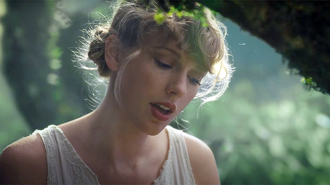 'Folklore' của Taylor Swift vượt Lil Baby trên Billboard năm 2020
